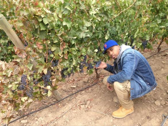 Queens Get the Grapes